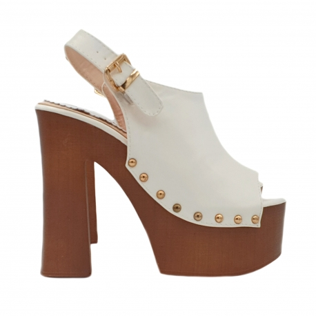 WHITE MULES WITH COMFORTABLE HEEL